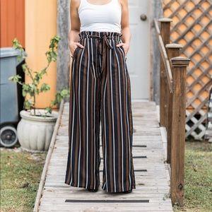 New! 🖤 Aura's Wide-Leg Striped Pants